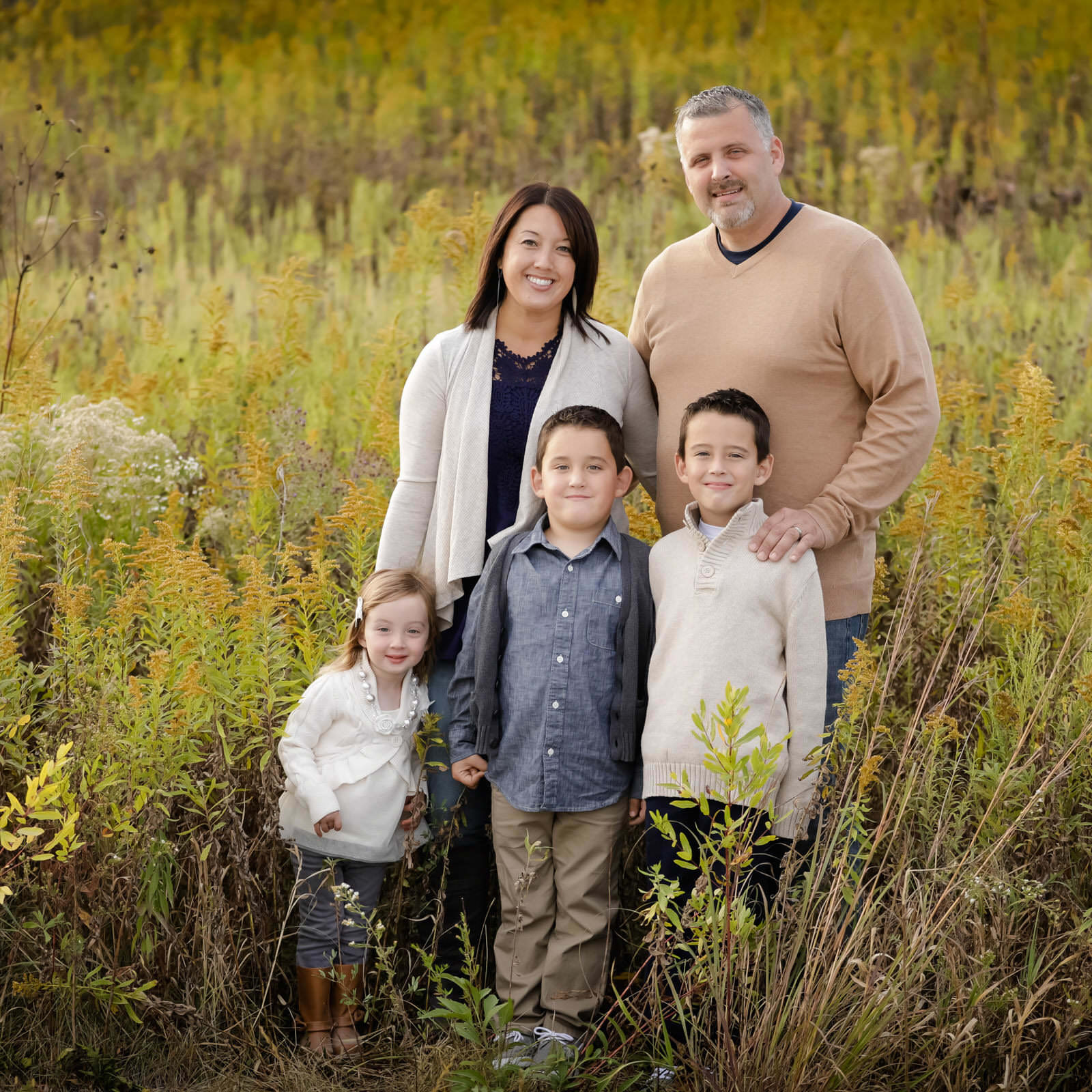 Downers_Grove_awesome_natural_lifestyle_children_and_family_portrait_photography_by_Summer_Brader_ac0002